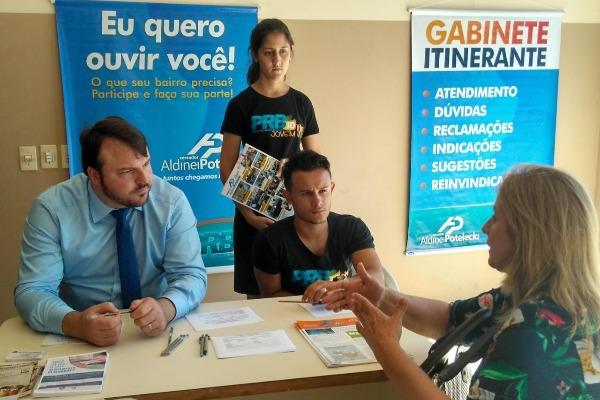 Gabinete Itinerante do vereador Aldinei Potelecki chega ao distrito Rio Maina