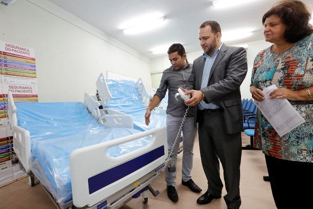 Redano faz doação particular de leitos elétricos de UTI para hospital em Porto Velho