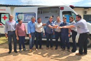 Alex Redano entrega ambulância ao município de Jaru