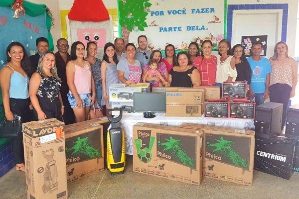 Alex Redano garante recursos para equipar creche em Machadinho do Oeste (RO)