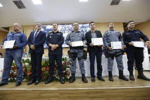 Alex Silva homenageia policias militares em Rondônia