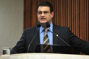 Alexandre Amaro apoia PEC que extingue aposentadoria para ex-governadores do Paraná