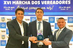 Vereador Alexandre Dauage ganha o Troféu Destaque Nacional UVB 2018