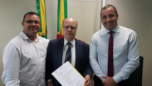 Alexandre Vargas consegue viaturas para a segurança pública de Santa Maria