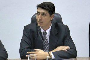 Alexandre Zoio solicita castração de animais em Ourinhos
