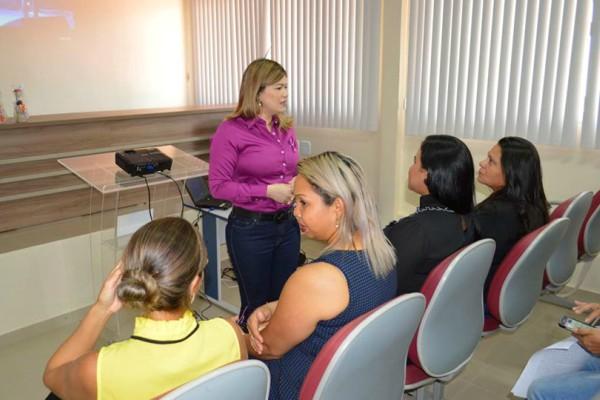 Aline Gurgel reúne Rede de Atendimento à Mulher para traçar plano contra a violência
