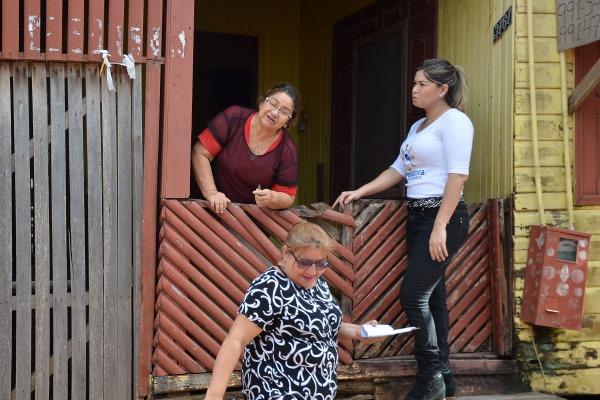 Vereadora visita bairros para ouvir demandas dos moradores