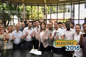 Aline protocola candidatura e plano de governo para Macapá