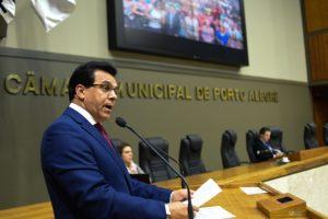 Câmara derruba veto e projeto que cria política dos direitos dos idosos é mantido