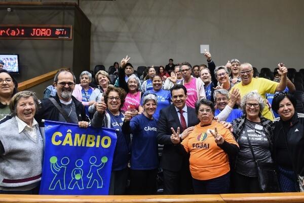 Câmbio é o esporte símbolo da pessoa idosa em Porto Alegre