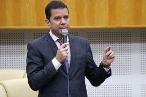 Câmara aprova a criação de proteção para ciclistas e motociclistas em Goiânia