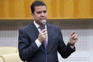 Alysson Lima fala do trabalho de comissão que irá investigar obras paradas em Goiânia