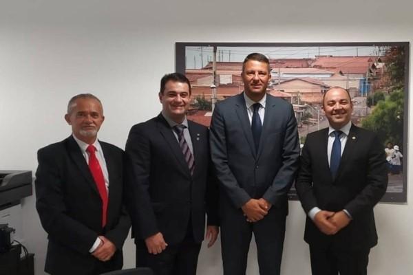 Alexandre Amaro busca investimentos para o esporte no Paraná