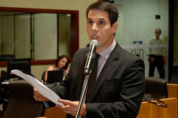Amaro Neto solicita censo da população autista no Espírito Santo