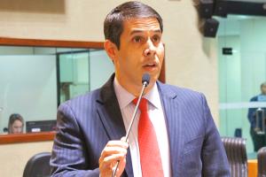 Amaro Neto dispensa verba extra para custear despesa com mudança