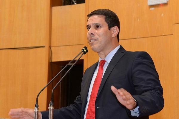 Amaro Neto abre mão de benefícios na Câmara dos Deputados
