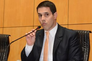 Projeto de Amaro Neto regulamenta a profissão de mototáxi no Espírito Santo