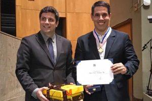 Amaro Neto é homenageado por atuação em favor do turismo