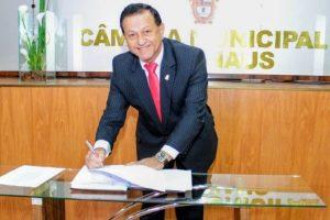 Amauri Colares toma posse como vereador em Manaus