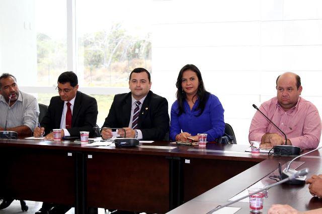 Ana do Gás participa de audiência pública sobre Rio Mearim