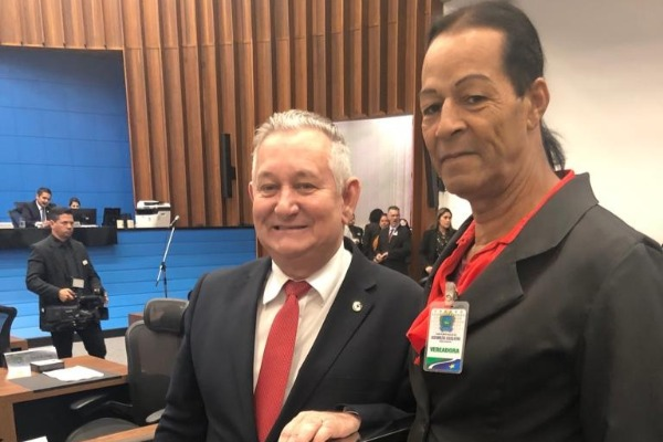 Antonio Vaz recebe a vereadora Sarita de Paranaíba na Assembleia Legislativa de MS