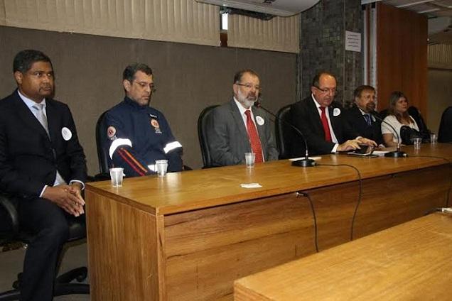 aplicativo-avc-brasil-e-lancado-por-jose-de-arimateia-prb-durante-audiencia-na-bahia-foto-ascom-01-11-15-02