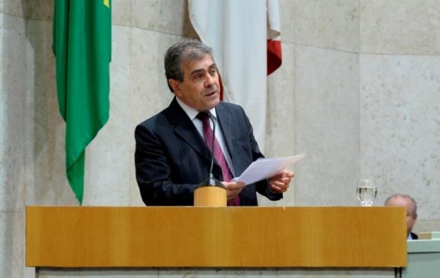 Aprovado PL de Atílio Francisco que obriga estacionamentos a adotarem sistema de cobrança pelo período de permanência