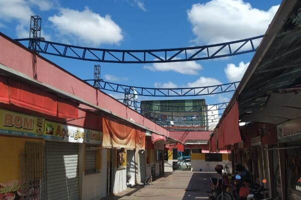 Pinheiros: mercado municipal começa a receber cobertura