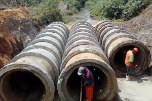 Prefeitura de Pinheiros avança com obra de drenagem pluvial