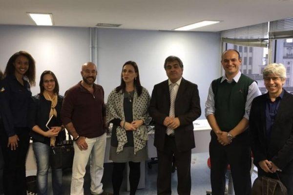 Atílio Francisco discute melhorias para deficientes auditivos de São Paulo