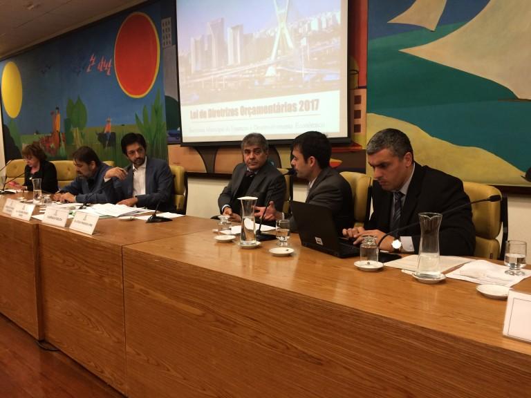 Atílio Francisco participa de discussão sobre Lei Orçamentária para 2017