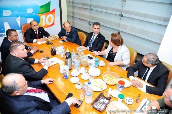 bancada-prb-debate-com-ministra-ideli-petroleo-foto-douglas-gomes-14-08-13