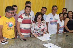 Prefeita Ducilene Belezinha cria plano de carreira para agentes de saúde de Chapadinha