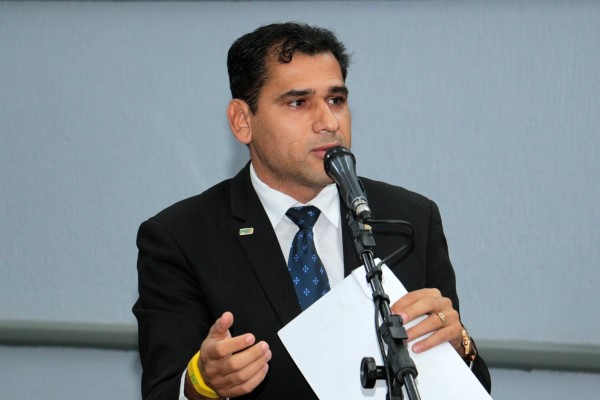 Vereador Betinho pede melhorias em bairros de Campo Grande