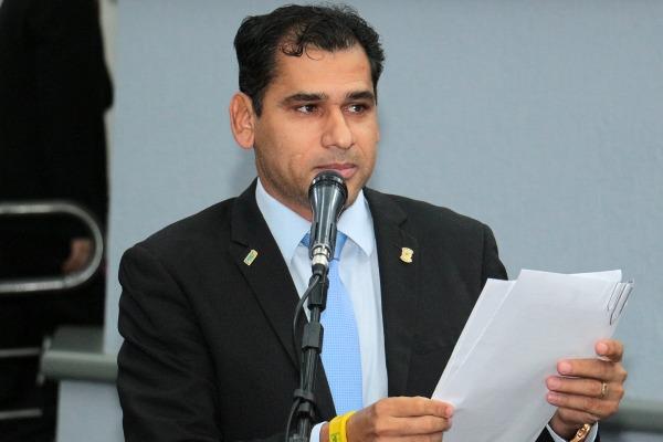 Betinho vota a favor da causa animal ao apoiar derrubada de veto do Executivo
