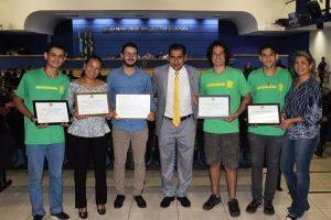 Betinho homenageia vencedores de feira de ciências em Mato Grosso do Sul