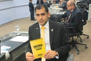 Betinho apoia campanha 'Setembro Amarelo' de prevenção ao suicídio