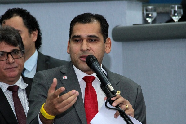 Betinho solicita melhorias para bairros de Campo Grande