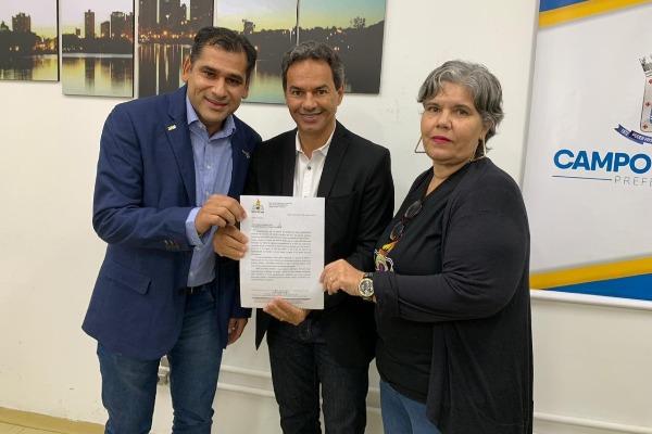 Betinho comemora sanção da Lei que garante jornada de 30h a assistentes sociais