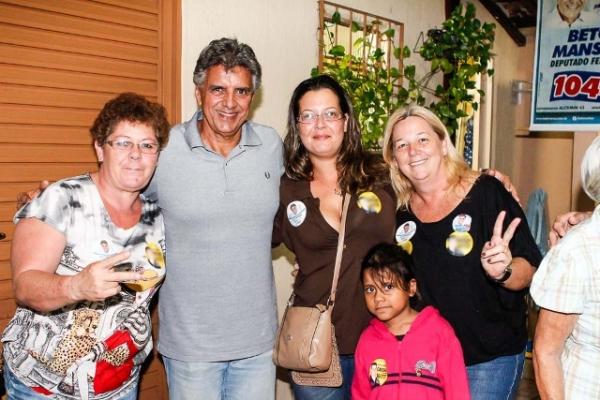 Beto Mansur visita Praia Grande e recebe apoios importantes