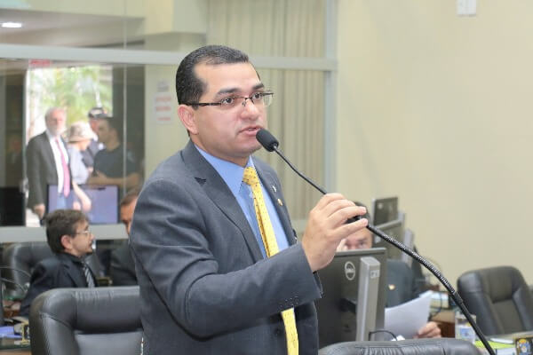 Aprovada lei que proíbe trotes em universidades de Florianópolis