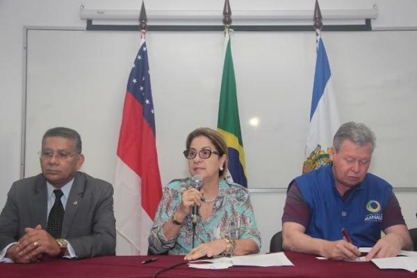 Carlos Alberto prestigia assinatura de convênio que beneficiará ex-detentos