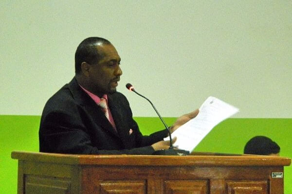 Carlos de Tijuaçu comemora convênio com Banco do Nordeste em Senhor do Bonfim (BA)