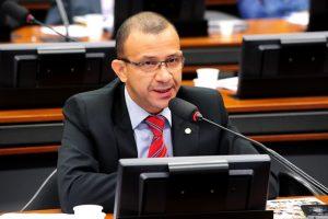 Carlos Gomes apresentará panorama do setor da reciclagem no Brasil em sessão na Câmara