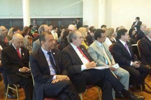 Carlos Gomes defende reciclagem para combater o mosquito Aedes aegypti