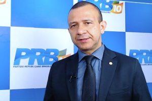 Em bate-papo ao vivo, Carlos Gomes defende investimentos para a reciclagem