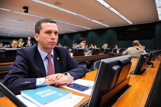 CCJ aprova PL de Fausto Pinato que possibilita a criação de empresa individual para advogados