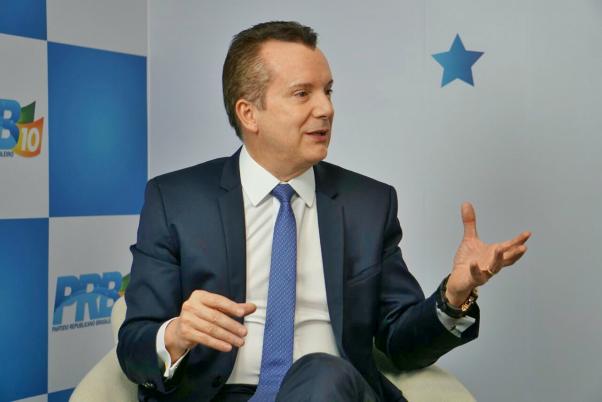 Em bate-papo ao vivo, Russomanno explica porque votará contra o Cadastro Positivo