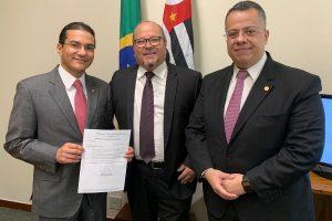 Vereador Cícero Investigador busca recursos em Brasília para a saúde de Ourinhos
