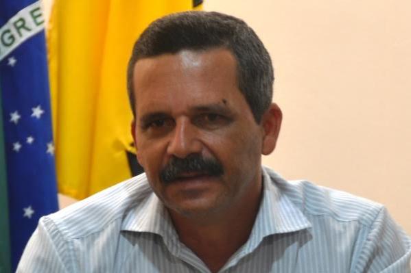 Prefeito Claudevane Leite consegue liberação de R$ 3,3 mi para obras em Itabuna